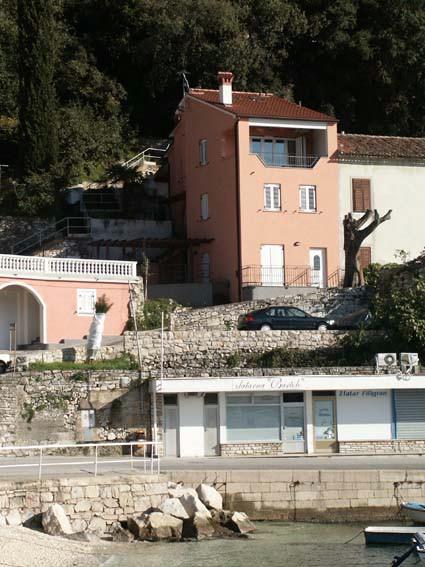Demetlika u sukobu interesa: Kuća u Rapcu bila je zapuštena i opasna po prolaznike (Cjelovita odluka Povjerenstva dostupna za preuzimanje)