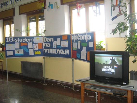Učenici OŠ Ivo Lola Ribar obilježili Dan sjećanja na Vukovar