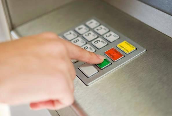 Budite oprezni: Na 100 kuna s bankomata naknada i do 25 kuna!