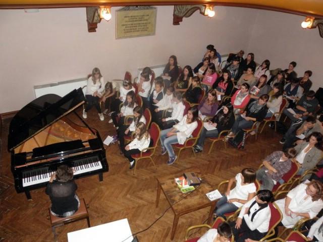 Najava: večeras koncert učenika osnovne glazbene škole M.B. Rašana  u Malom kazalištu