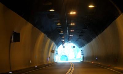 Obavijest: Noćas zatvaranje prometa u tunelu Učka