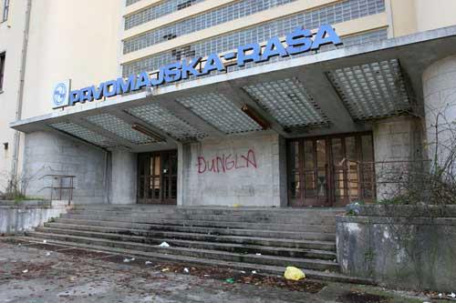 Najviše nekretnina na bubanj ide u Istri - stečaj tri labinska trgovačka društva - na FINU se prelilo 600 tisuća ovrha