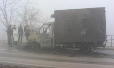 Most Pićan: Kamion izgorio na cesti