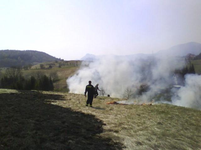 Dvadesetak intervencija vatrogasaca zbog nekontroliranog spaljivanja korova - spaljivanje samo uz dozvolu