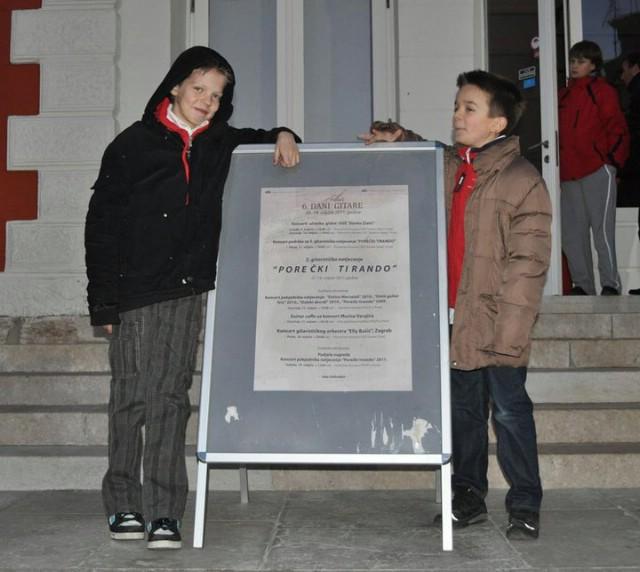 Mladi gitaristi Vid Ernečić i Robin Vidak na svom prvom natjecanju osvojili nagrade