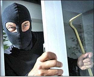Čepić: Deaktivirao alarm pa ukrao novac i alat iz centra Entrada
