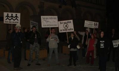 Labin: Prosvjedovalo dvadesetak građana