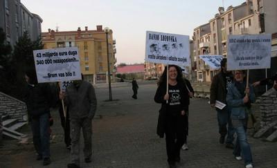 U Labinu osam prosvjednika (+ službeno priopćenje građanske inicijative)