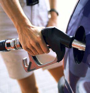 Od ponoći gorivo jeftinije od 3 do 16 lipa po litri, eurodiesel i dalje iznad 9 kuna