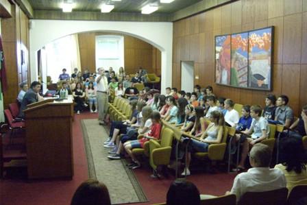 Nagrađeni učenici na prijemu kod Gradonačelnika
