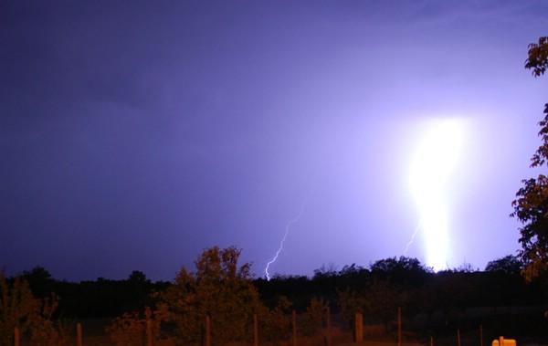 Upozorenje za Istru: Nevrijeme s jakom kišom i vjetrom, ponegdje moguća i tuča