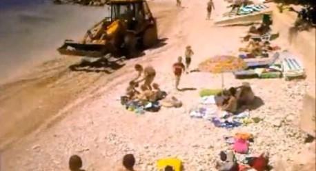 Radmila Paliska Kos: Evo zašto je bager ravnao plažu punu kupača u Rapcu - Video vidjelo preko 51 tisuću ljudi