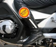 Rabac: Vozač motocikla uhićen zbog 2,47 promila alkohola, a suvozač zbog vrijeđanja policajaca