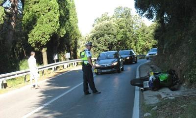 Cesta Labin - Rabac: Dvije mlađe osobe stradale na mopedu