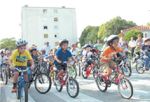 Biciklijada vrtićaraca u znaku odraslih - Roditeljska Klincijada