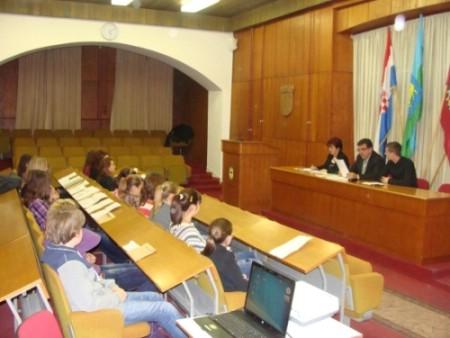 Održana 16. sjednica Gradskog vijeća mladih Grada Labina - Identitet u očima mladih