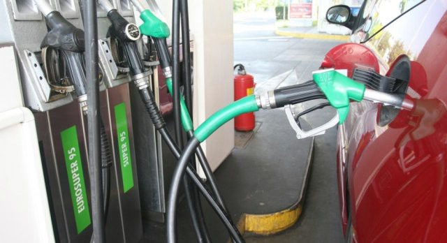 Od utorka novi šok: Cijene goriva lete u nebo - litra eurosupera 10,18 kuna