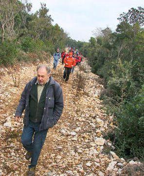 Planinarenje kroz povijesne lokalitete na Ubašu (Fotogalerija)