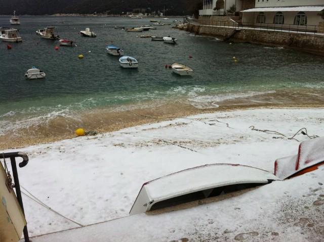 [Upozorenje] U Labinu u 8:00 h -7 °C , snježi, temperature će još padati