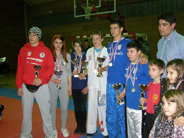 """KBK Budokai Labin osvojio 19 odličja i 2 pehara na Internacionalnom kickboxing natjecanju  """"Top Terme 2012."""""""