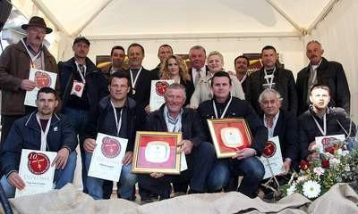 Smotra vina središnje Istre u Gračišću - najbolji crni merlot Siniše Serga iz Svete Katarine