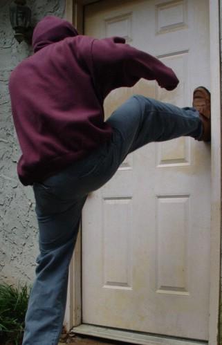Labinjan (27) napao sugrađanina u stanu i ukrao mu mobitel
