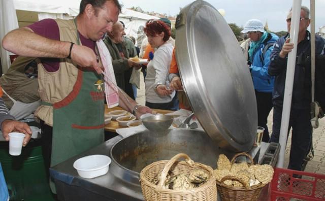 Na 7. Smrčkijadi u Umagu najljepšu gljivu donijelo labinsko gljivarsko društvo `Martinčica`