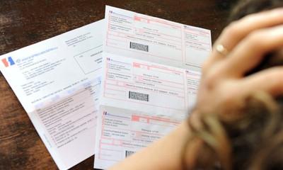 Udar na potrošače: Naplaćivanje fiksnih naknada za struju i plin protuzakonito