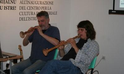 Zagrebački studenti slušali o dvoglasju tijesnih intervala u CENKI-ju u Pićnu