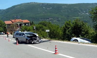 Na cesti Labin - Vozilići u Stepćićima: Vozači ozlijeđeni u sudaru
