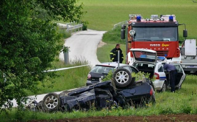 Pazinski Novaki: vlak naletio na automobil - poginuo Labinjan Boris Babić (64), dvojica kritično