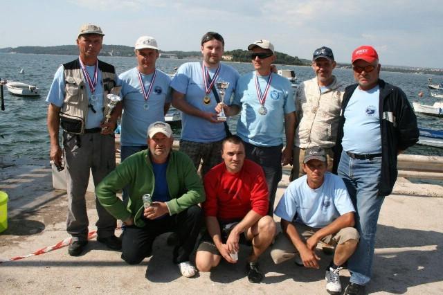 SRD Plomin s najviše osvojenih medalja na međuopćinskom natjecanju u sportskom ribolovu iz brodice za seniore i U-21 u Puli