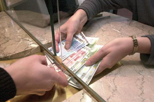 Vjerovali ili ne: Hrvatske banke naplaćuju 242 vrste naknada
