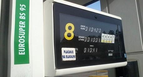 Od ponoći pale cijene goriva