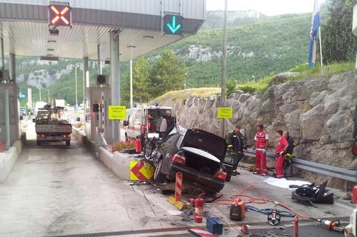 Poginuo na izlazu iz tunela Učka - BMW je jurio 140 na sat i pretjecao u tunelu!