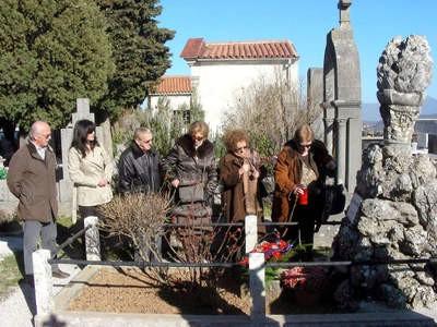 Položeno cvijeće na grob Giuseppine Martinuzzi