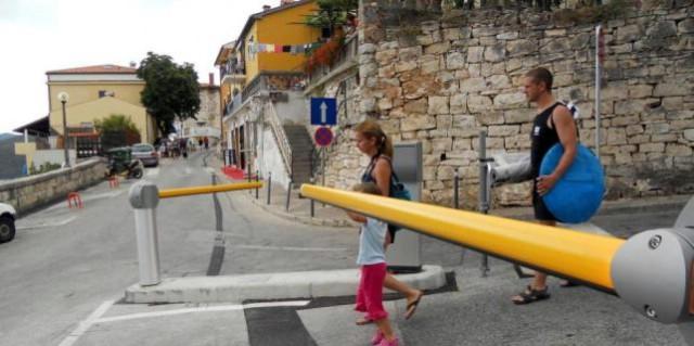 Mještani Rapca ne mire se s rampama na rivi