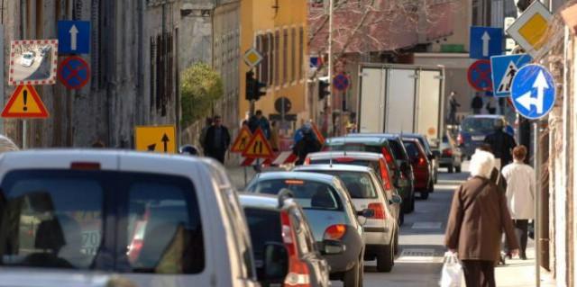 Traži se vozačica koja je autom ozlijedila gospođu iz Čepića u Puli