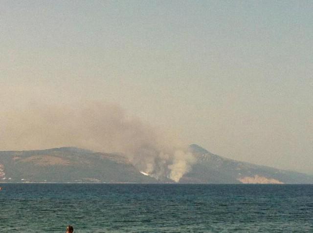 Požar kraj Rapca u blizini Malih kosi - požar gase  kanader i AirTractor - Galerija fotografija