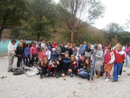Održana volonterska eko-akcija Coastal cleanup - Crveni križ Labin i učenici čepićke osnovne škole očistili obalu u Plomin luci te plažu Copacabanu