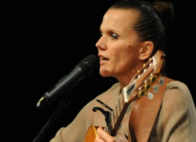 Glazbeni tjedan u MMC Luka u Puli počinje koncertom rabačke kantaurorice i glumice Elis Lovrić