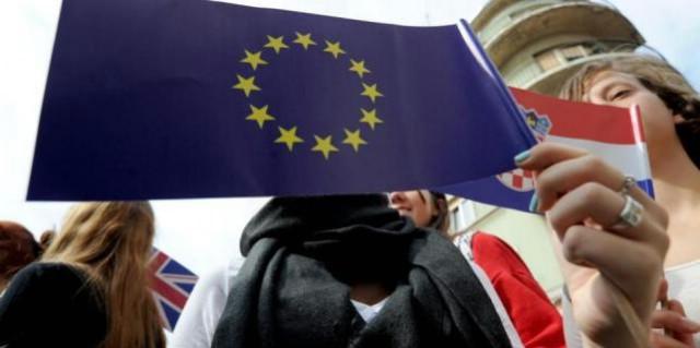 [EU here we come] Skuplji kruh i cigarete, jeftinije telefoniranje