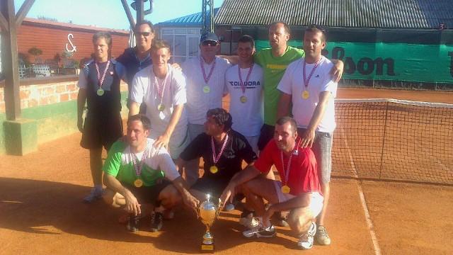 Teniski klub Rabac u subotu održavanjem revijalnih mečeva slavi svoj najveći uspjeh u povijesti  – ulazak u Drugu hrvatsku tenisku ligu