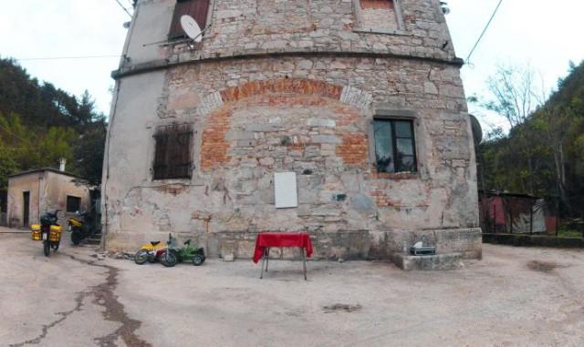 Na Trgu Pozzo Franz u Krapnu od 18. do 24. listopada umjetnička akcija RADNA KOLONIJA – usmjerena na probleme nezaposlenosti u društvu - program