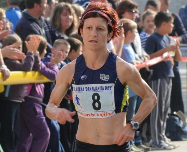 Najbolja hrvatska atletičarka labinjanka Barbara Belušić treći je put trijumfirala na jubilarnoj 30. utrci Dan Uljanika