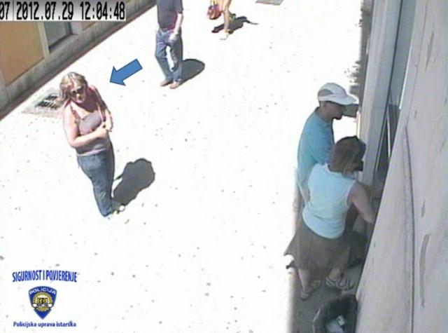 Prepoznajete li kradljivicu  s fotografije koja je Labinjanu ukrala novčanik u Puli?