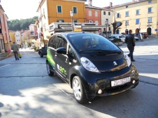 Labinjanima predstavljen elektromobil Peugeot ION