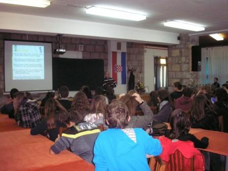 Održana predavanja o preventivnim programima suzbijanja zlouporaba sredstava ovisnosti