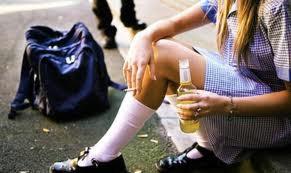 Vijećnici Gradskog vijeća mladih dijelili letke o zabrani prodaje alkohola maloljetnicima