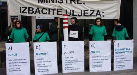 Aktivisti Zelene akcije prosvjedovali ispred Ministarstva gospodarstva zbog Plomina C na ugljen (Audio)